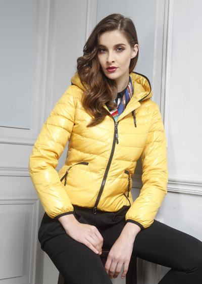 万博最新版下载冬季女时尚轻薄短款连帽万博体育世杯版