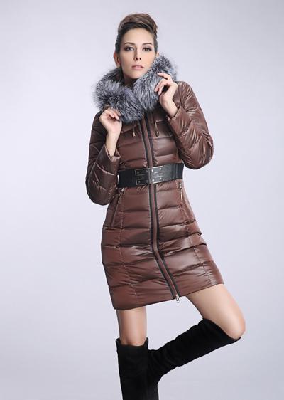 威伦蒂冬季女装中长款羽绒服 女士修身大毛领加厚羽绒服