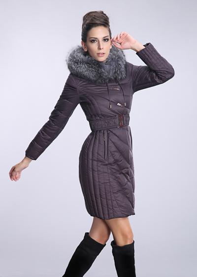 厂家批发冬季羽绒服女款 女士修身中长款银狐毛领威伦蒂羽绒服