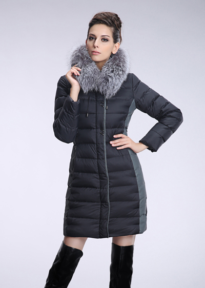 威伦蒂 冬季女装中长款羽绒服 女士修身显瘦银狐毛领加厚羽绒服
