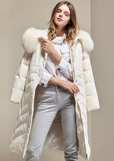威伦蒂狐狸毛领显瘦气质款羽绒服